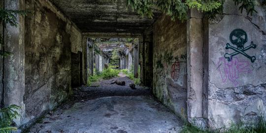 Geschichtsträchtig: Die Überreste des Zinnbergwerks in Rolava (1)
