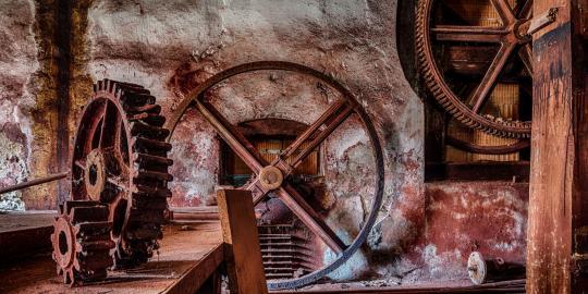 Zauberhaft rot: Die historische Glasschleife (2)